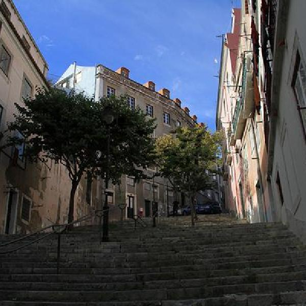 lisbon rooftops guesthouse