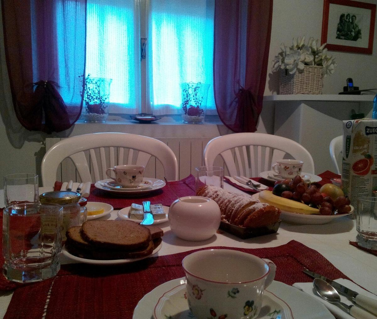 La colazione di B&B LE MAGNOLIE
