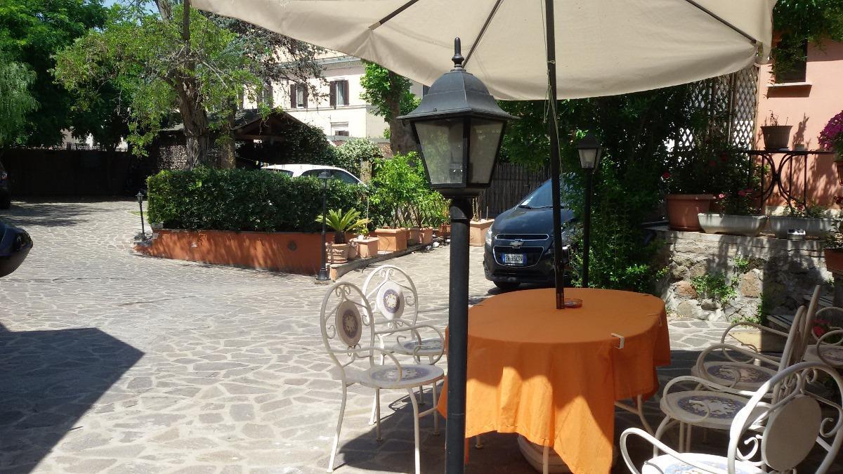 La Veranda Di Campagna b&b la veranda fiorita roma - en