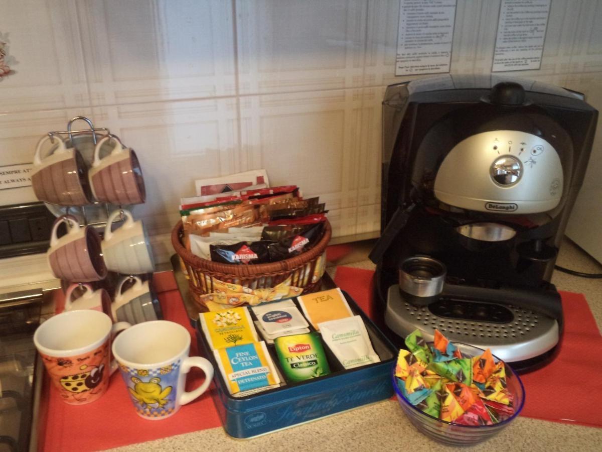 La colazione di APARTHOTEL FEELING AT HOME