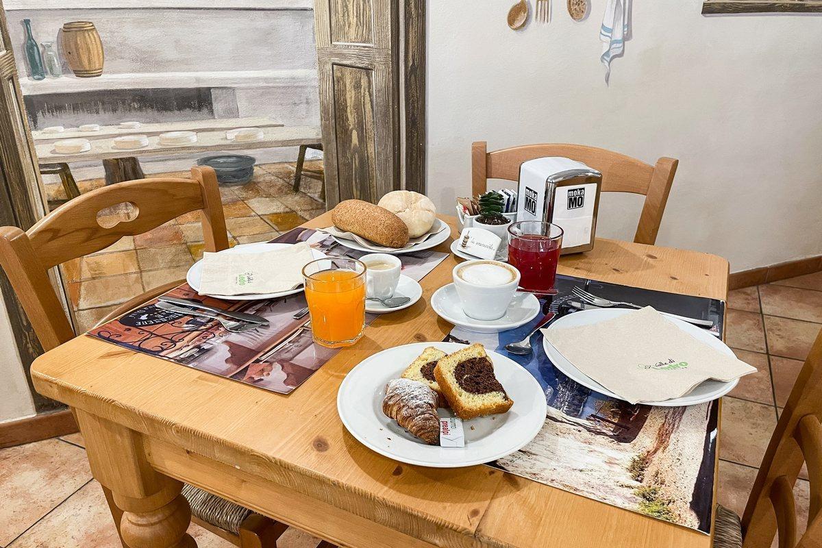 La colazione di ROOM & BREAKFAST CÀ MEA DINA