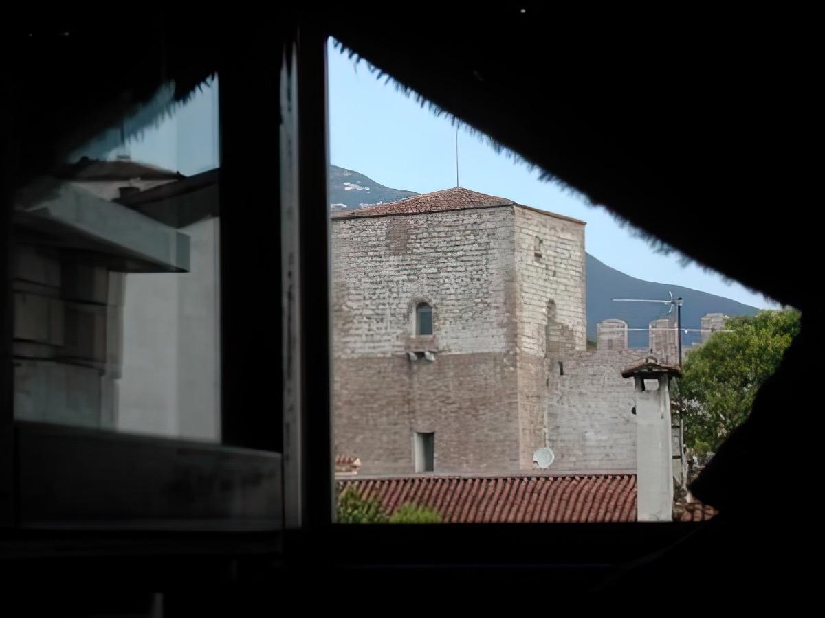 Camera Francese 4