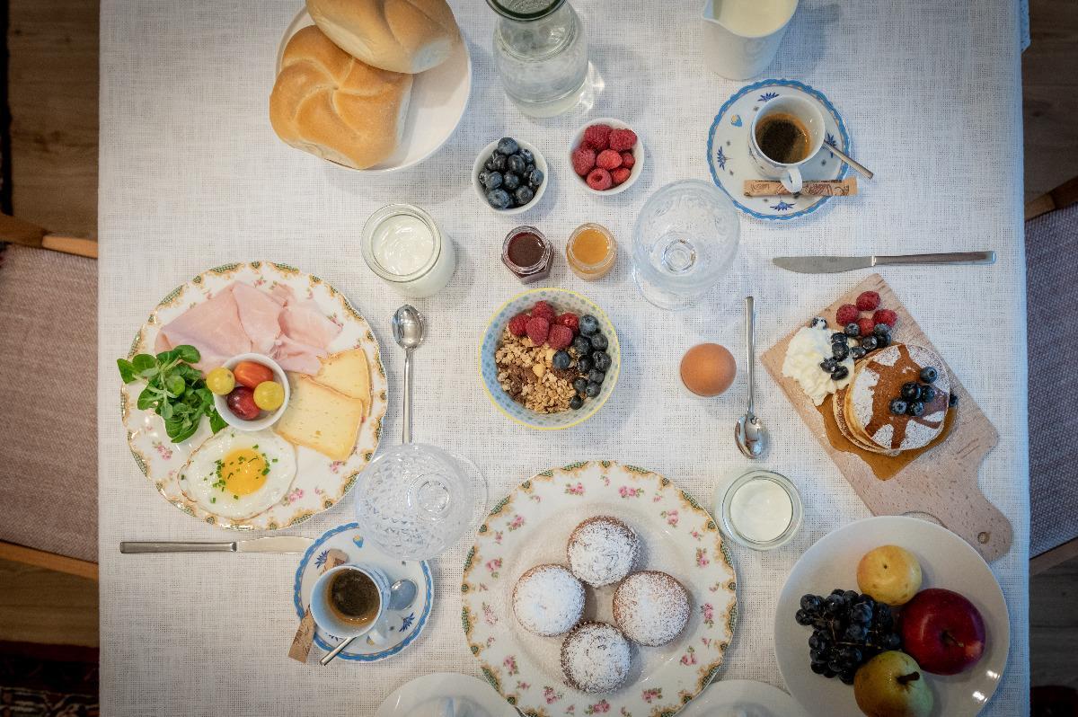 La colazione di LES GOMÍNES *****