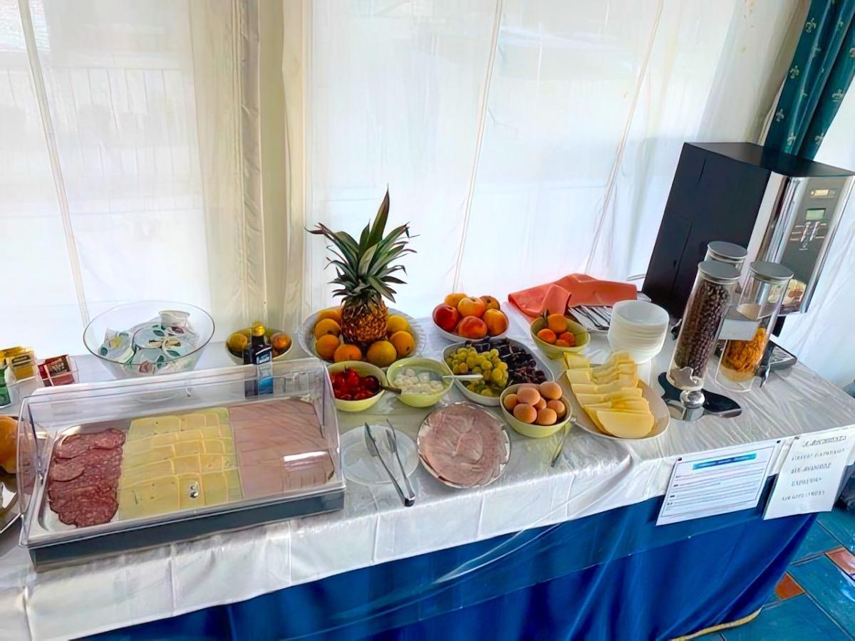 La colazione di B&B ALBERGO RIVIERA