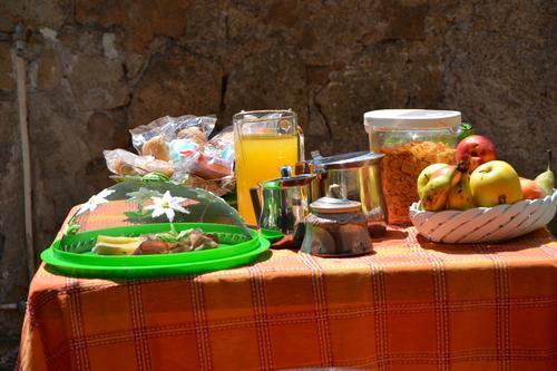 La colazione di B&B PALESTRINA VALMONTONE