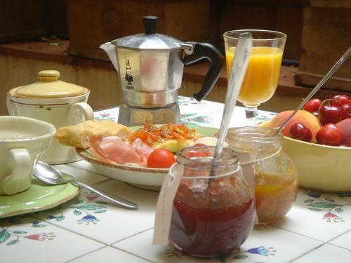La colazione di B&B LE STANZE DI SANTA CROCE