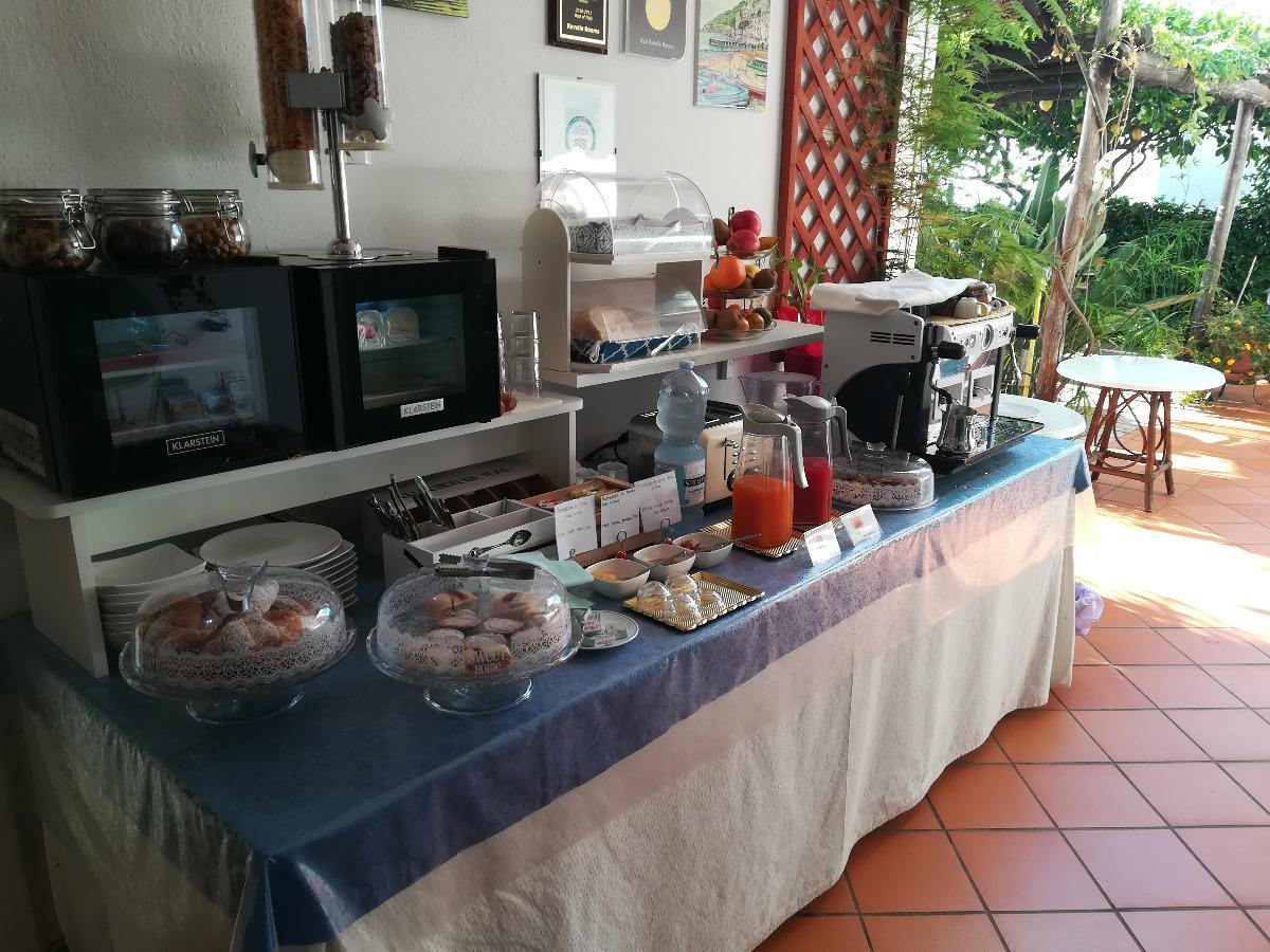 La colazione di RAVELLO ROOMS