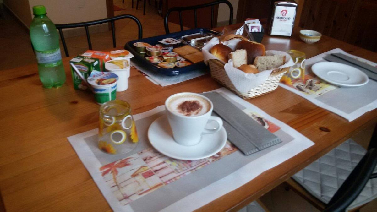 La colazione di LA COLLINA DEGLI ULIVI