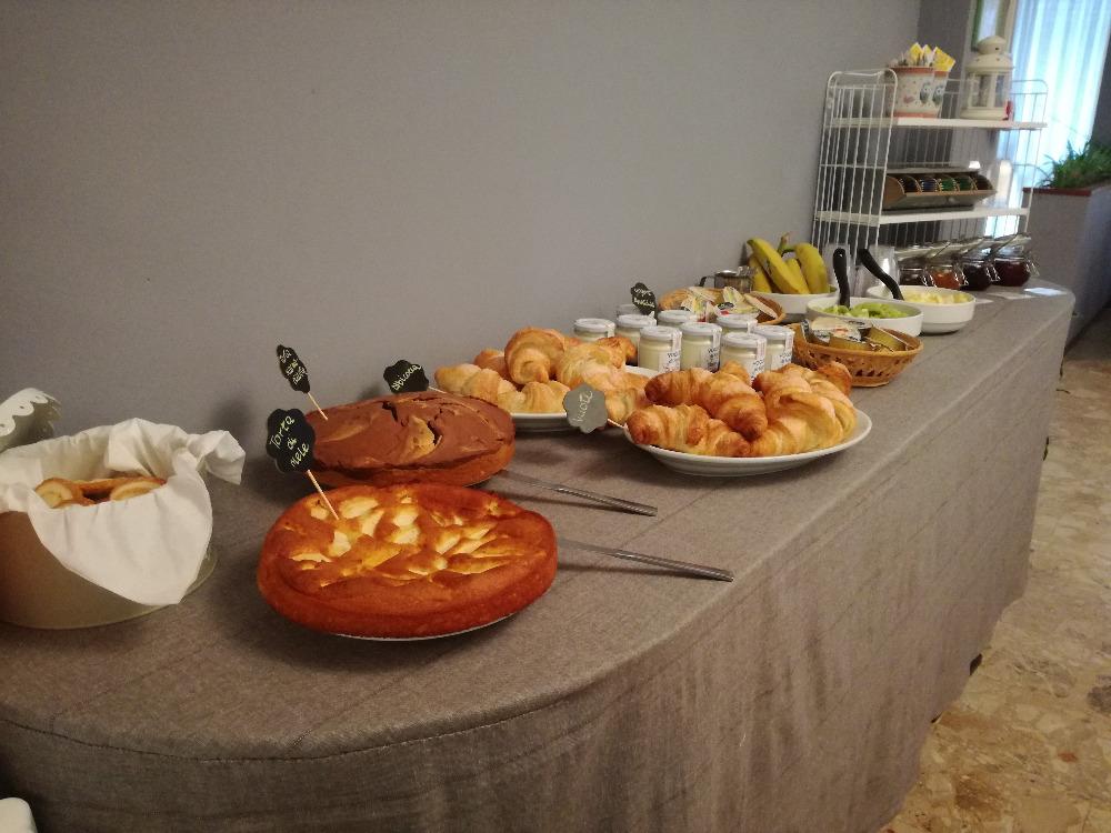 La colazione di ALBERGO B&B SERAFINI