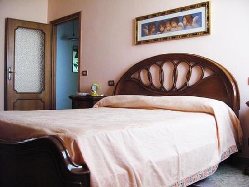 Camera Matrimoniale 3