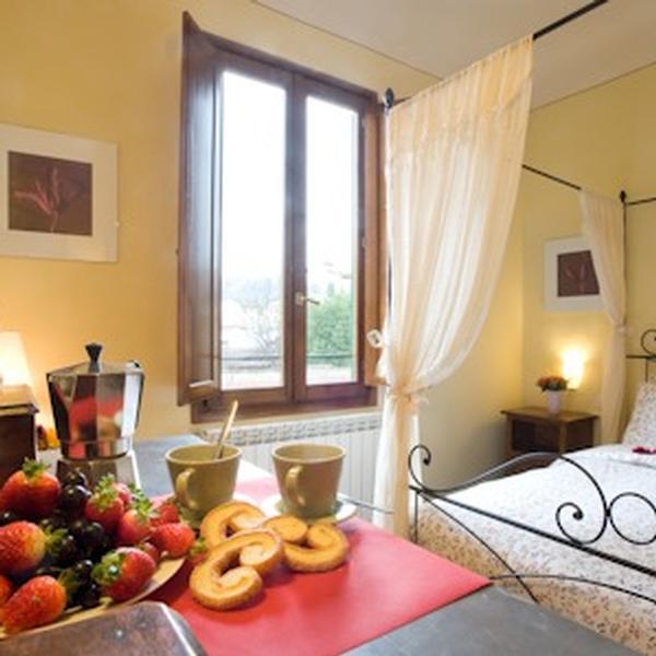 oltrarno apartment