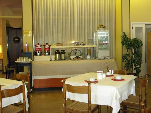 La colazione di B&B LANTERNA HOTEL