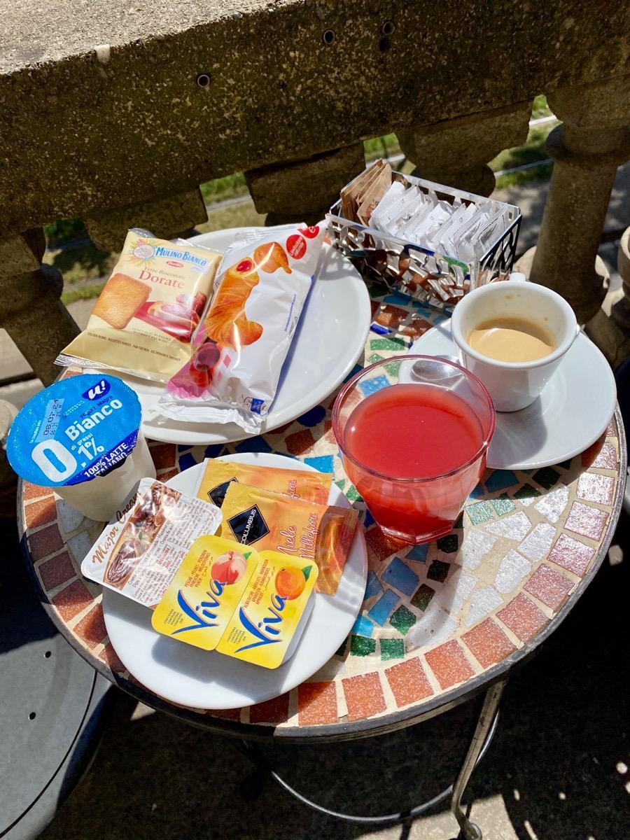 La colazione di HOTEL ATENA