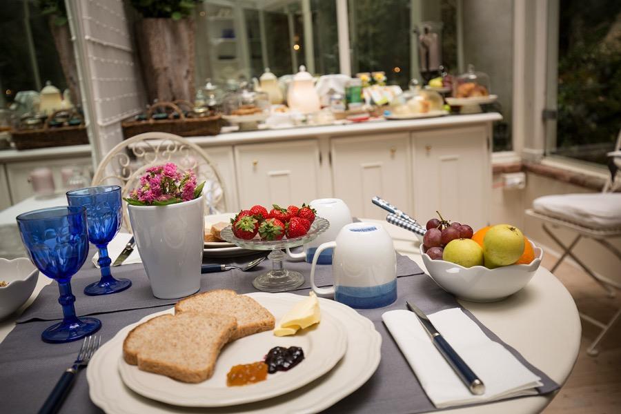 La colazione di CASA & NATURA BREVIGLIERI B&B