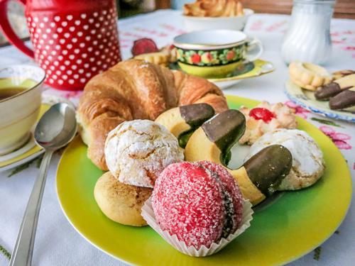 La colazione di CASA ADRIANA B&B