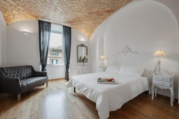 La Finestra sul Colosseo B&B