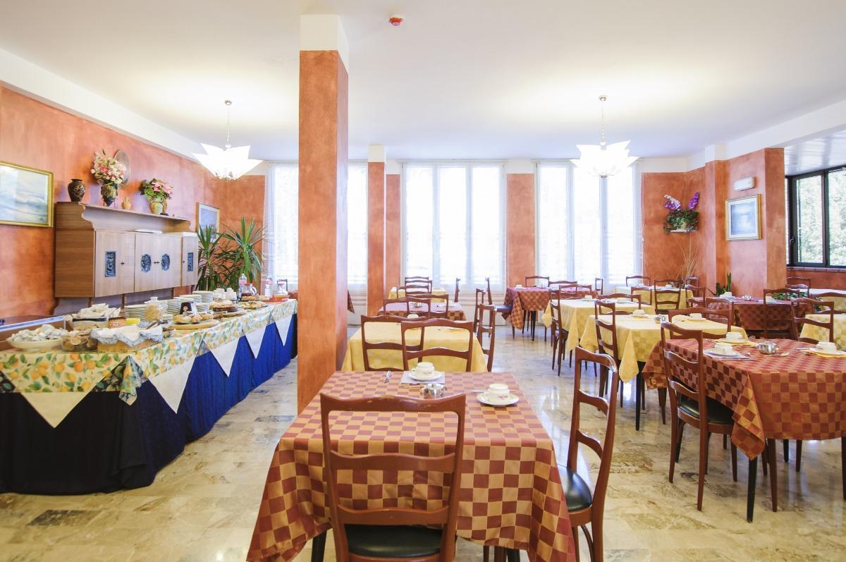 Bagno Conchiglia Cervia : B b hotel edelweiss cervia