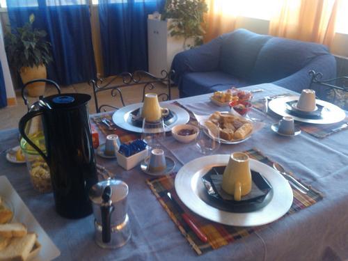 La colazione di IL FRATINO E LA CICALA