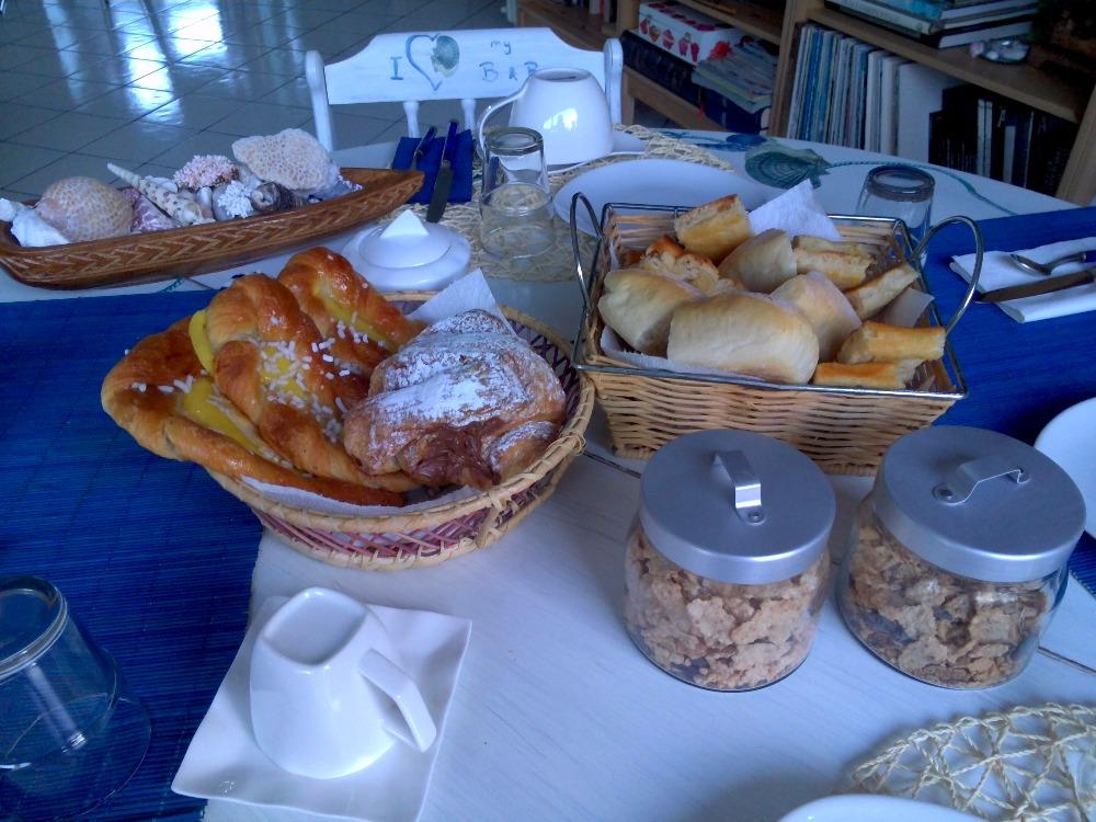 La colazione di B&B VILLINI ALBARO