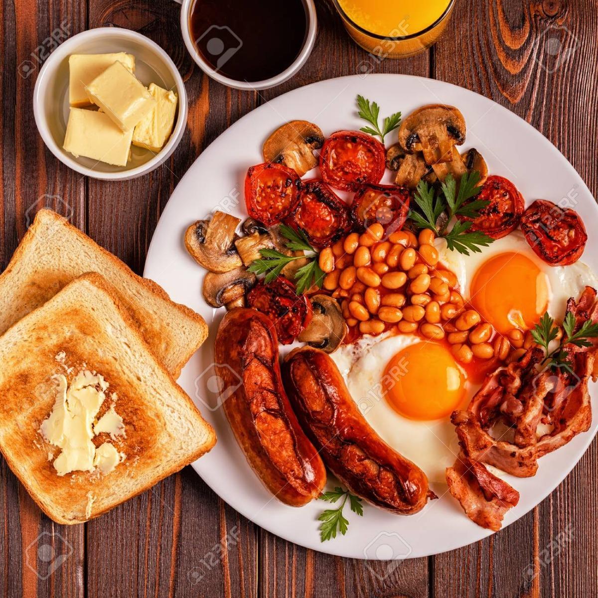 La colazione di I PINI DI ROMA ROOMS & SUITES
