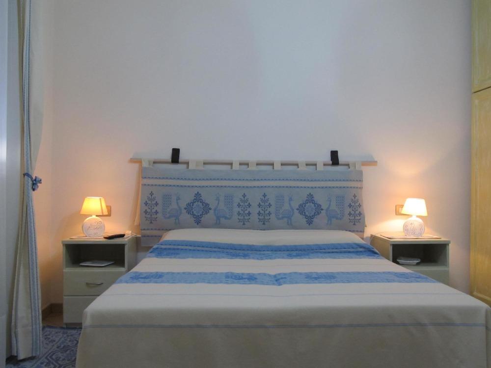 Letto Matrimoniale Sardegna.Camere Da Letto Matrimoniali Usate In Sardegna