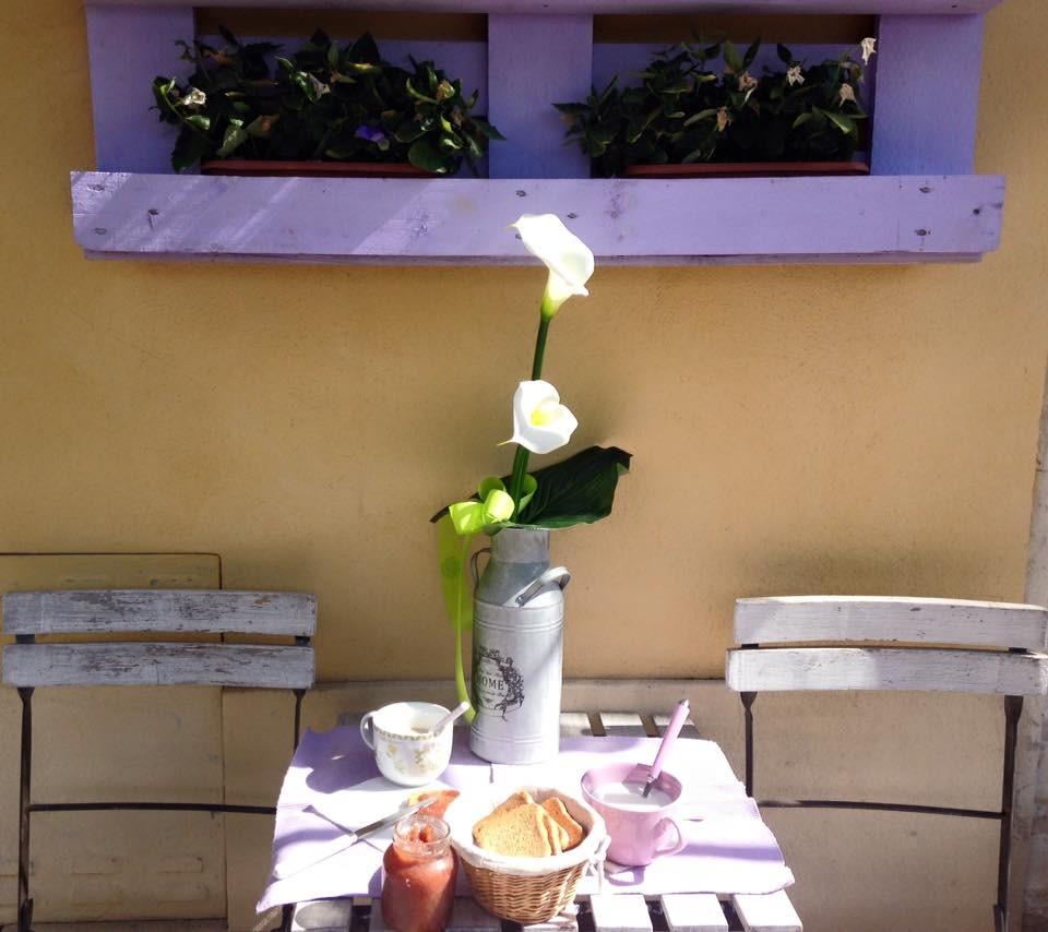 La colazione di LA LIBELLULA DEL CONERO