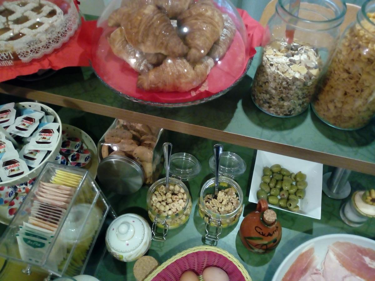 La colazione di L'OASI VERDE A SAN PIETRO B&B