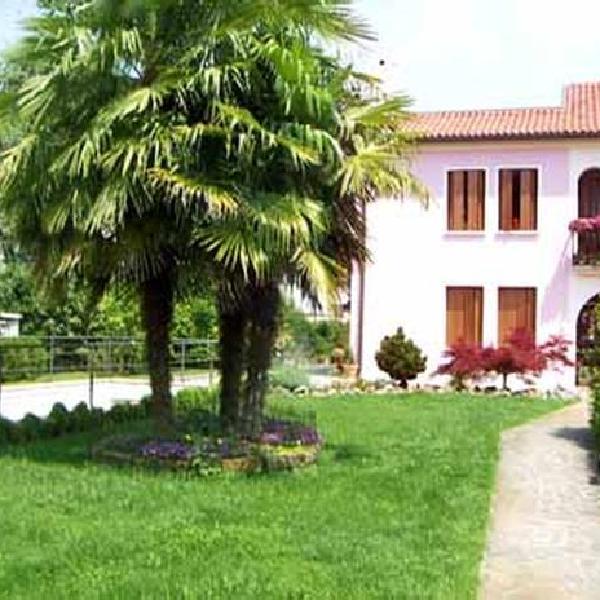 alloggi villa rosa