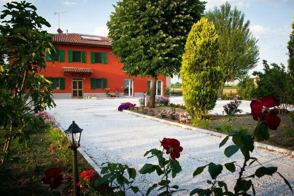 La Cascina Bed and Breakfast