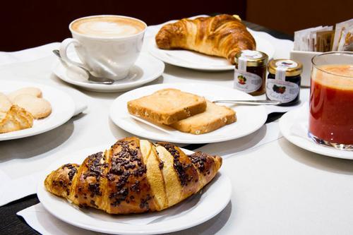 La colazione di B&B RIZZOLI