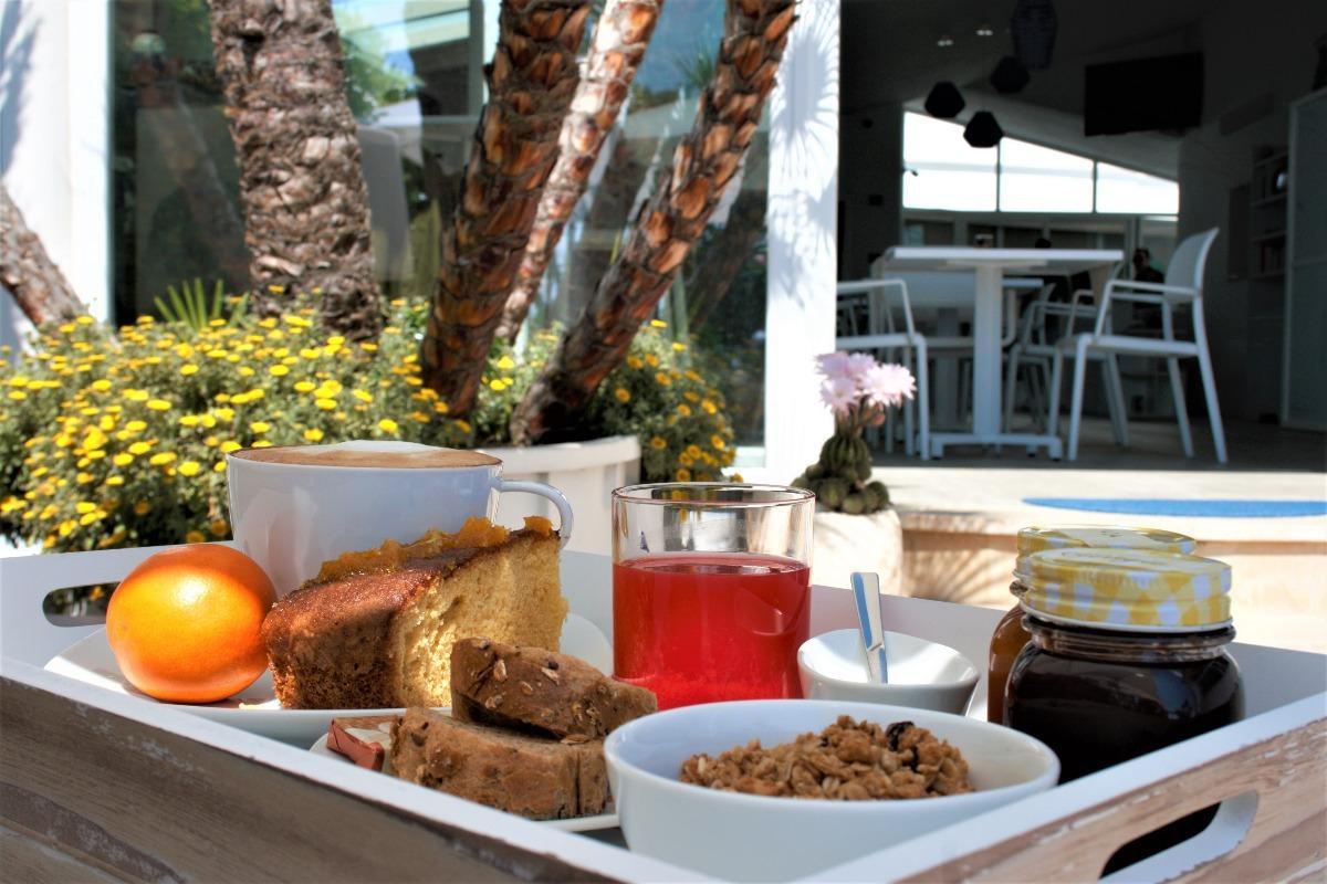 La colazione di LA BELLA TRANI SUITES AND B&B