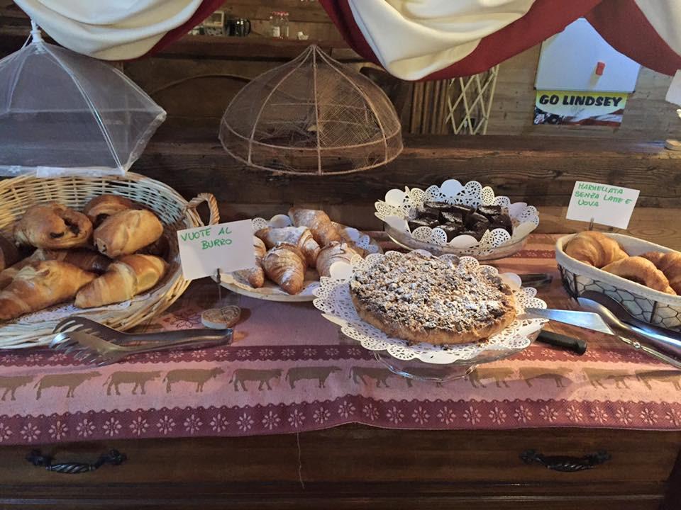 La colazione di HOTEL LETTERARIO LOCANDA COLLOMB
