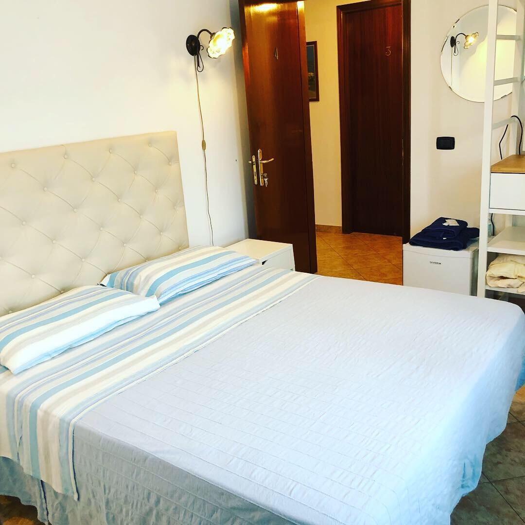 04 Room