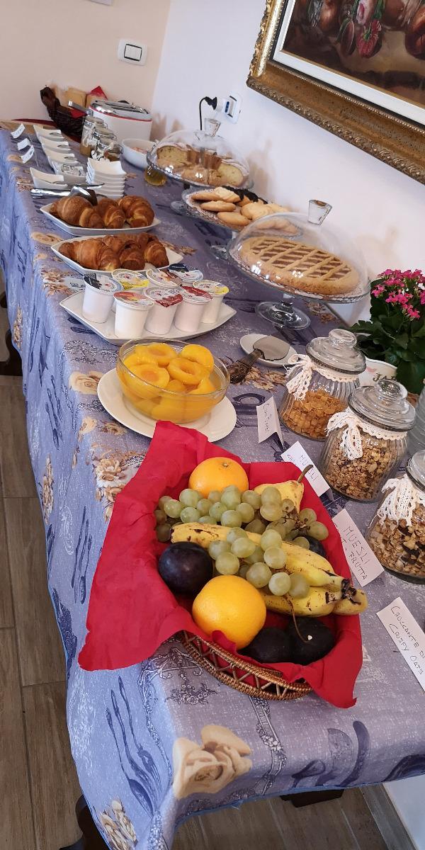 La colazione di B&B PAOLA E FRANCESCO