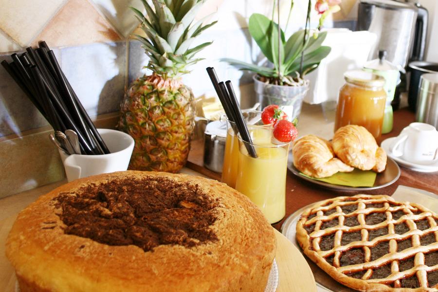 La colazione di B&B IL GIARDINO DI GABRI