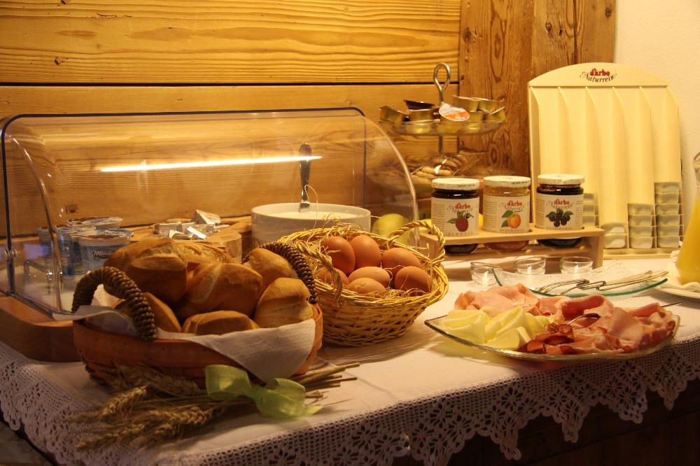 La colazione di HOTEL GARNI FONTE DEI VELI