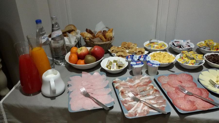 La colazione di PONTEROSSO SUITE