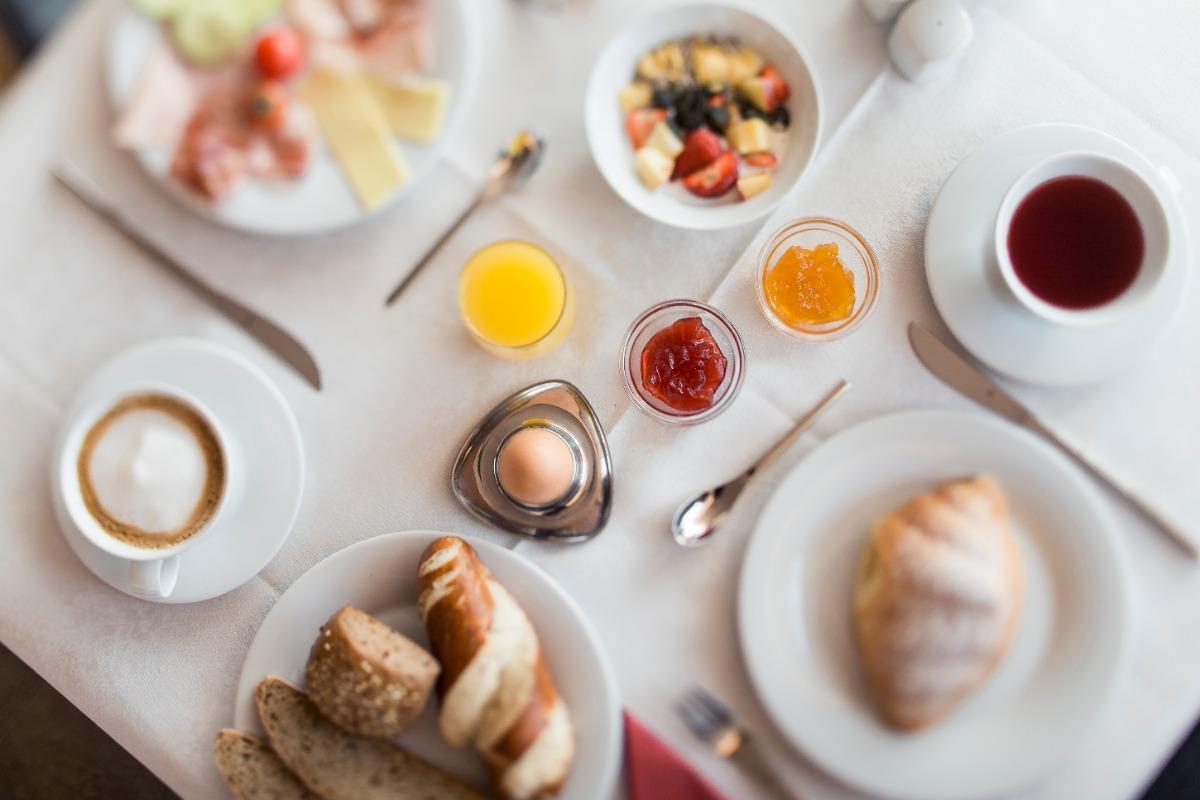 La colazione di B&B BOUTIQUE-HOTEL CLARA***S