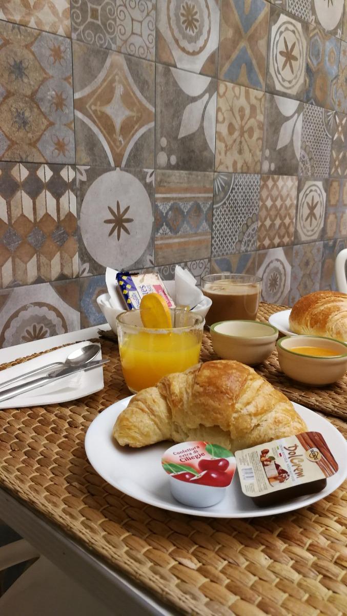 La colazione di DONNA ADELINA B&B