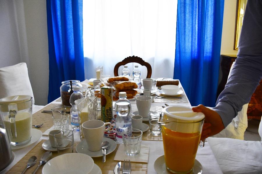 La colazione di B&B CASA NIZZA