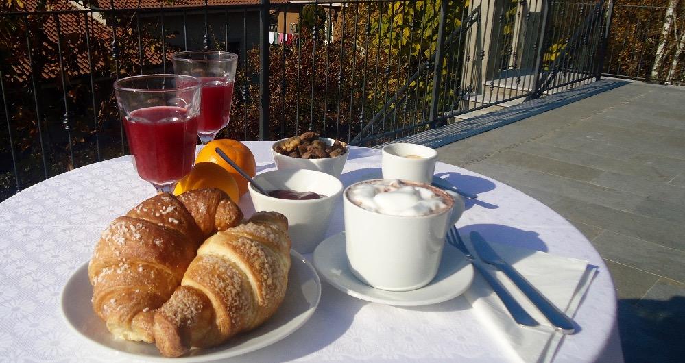 La colazione di B&B E RESIDENCE LE PALME