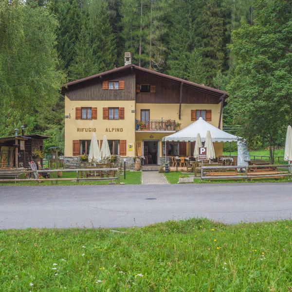 rifugio alpino fazzon