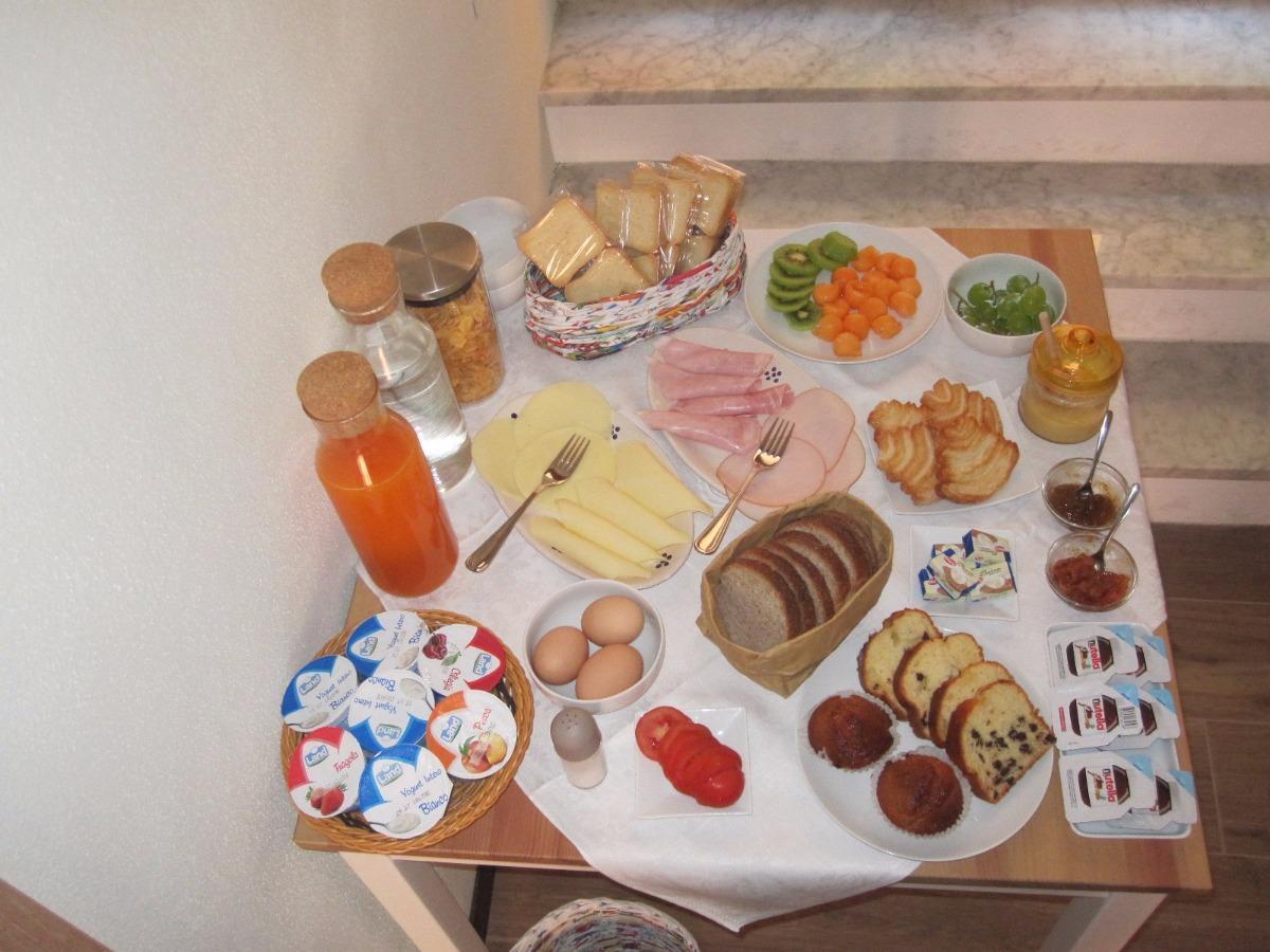 La colazione di BOMAROSA B&B