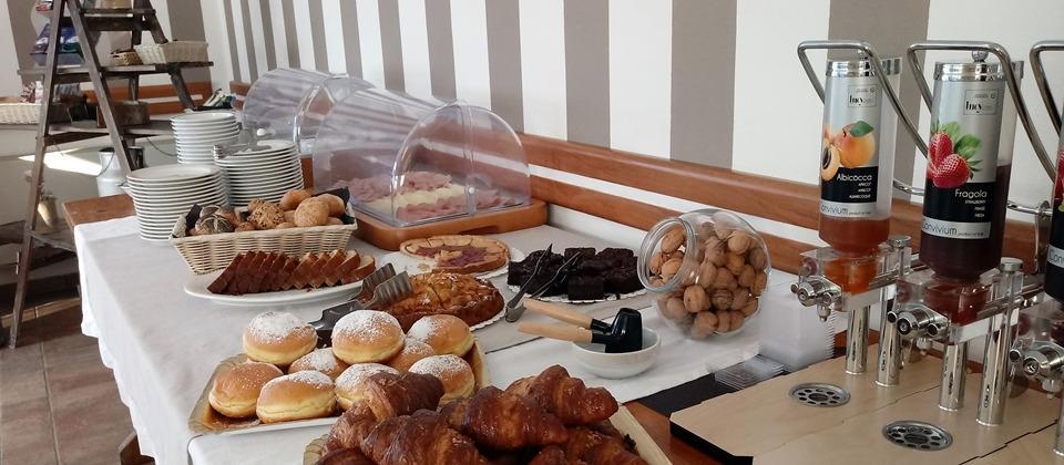 La colazione di HOTEL AGLI ULIVI