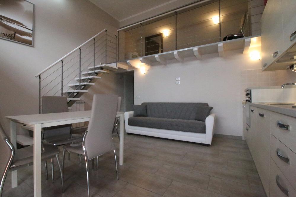 Casa vacanze modern loft roma for Piccolo loft a casa