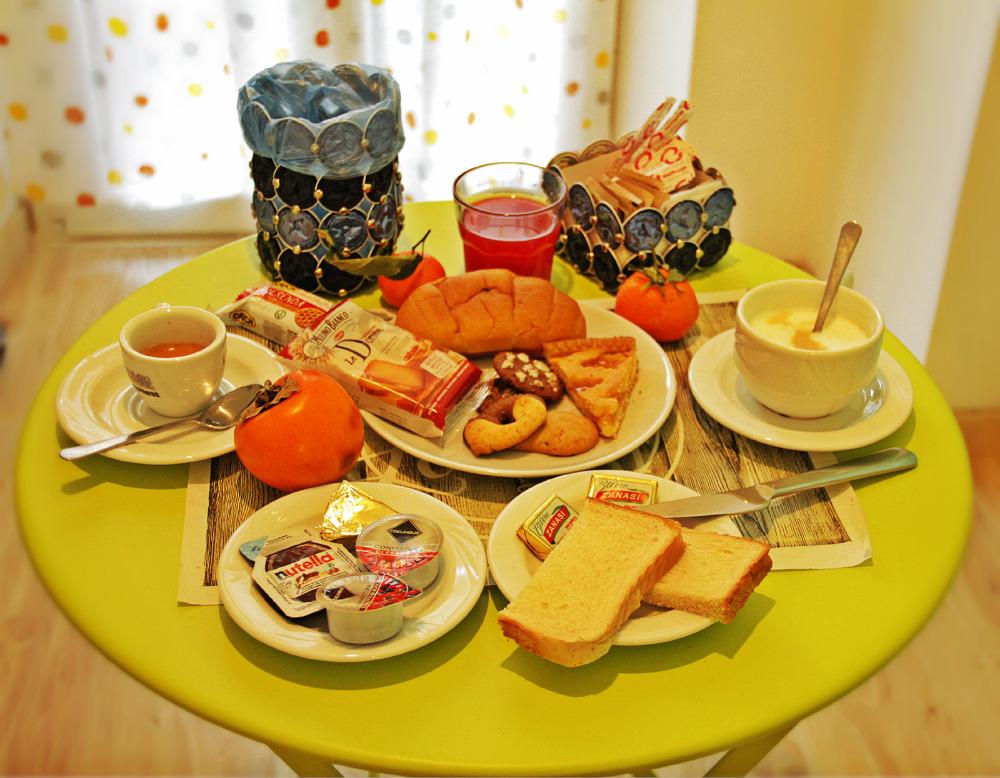 La colazione di DAMIANI & SISTER GUEST HOUSE