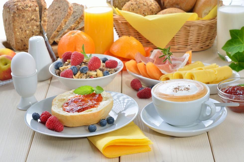 La colazione di AL CENTRO LUXURY HOME