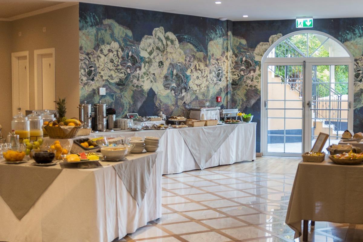 La colazione di MEDITERRANEO EMOTIONAL HOTEL & SPA