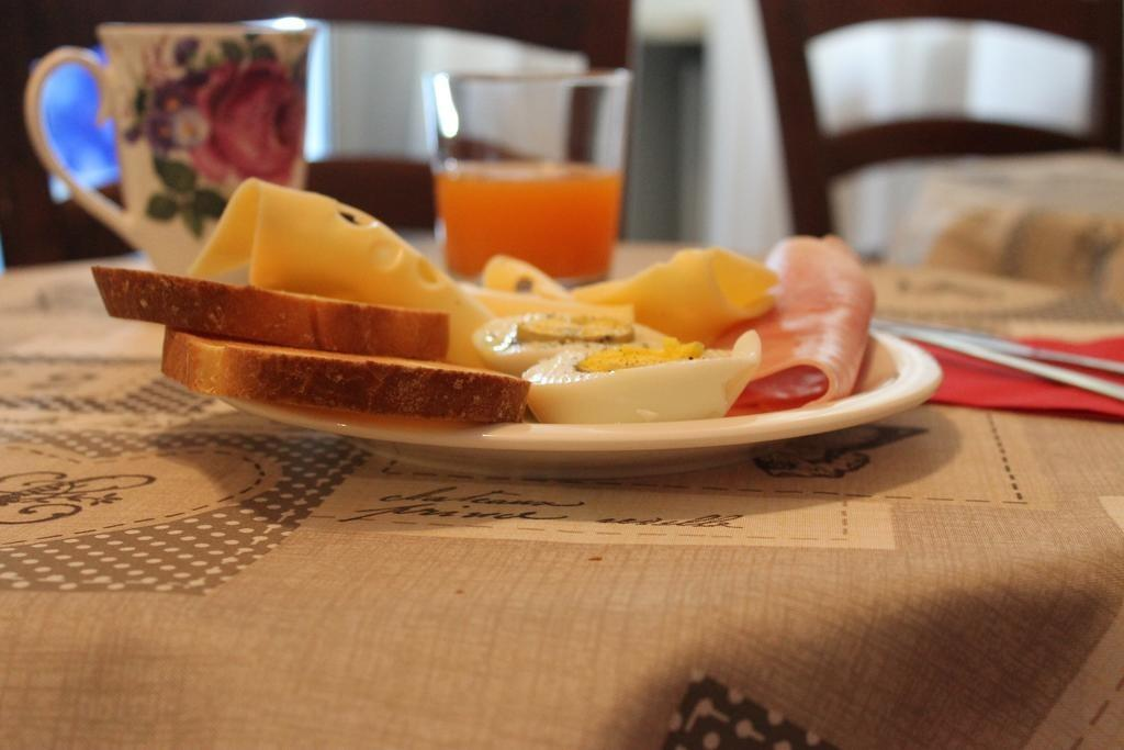 La colazione di B&B DELLE ROSE