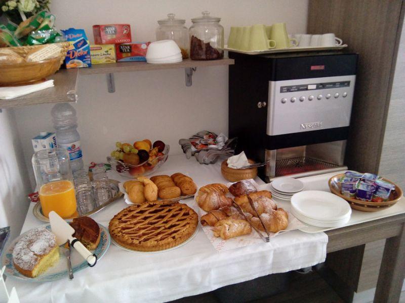 La colazione di B&B PESCHICI 4 STAGIONI